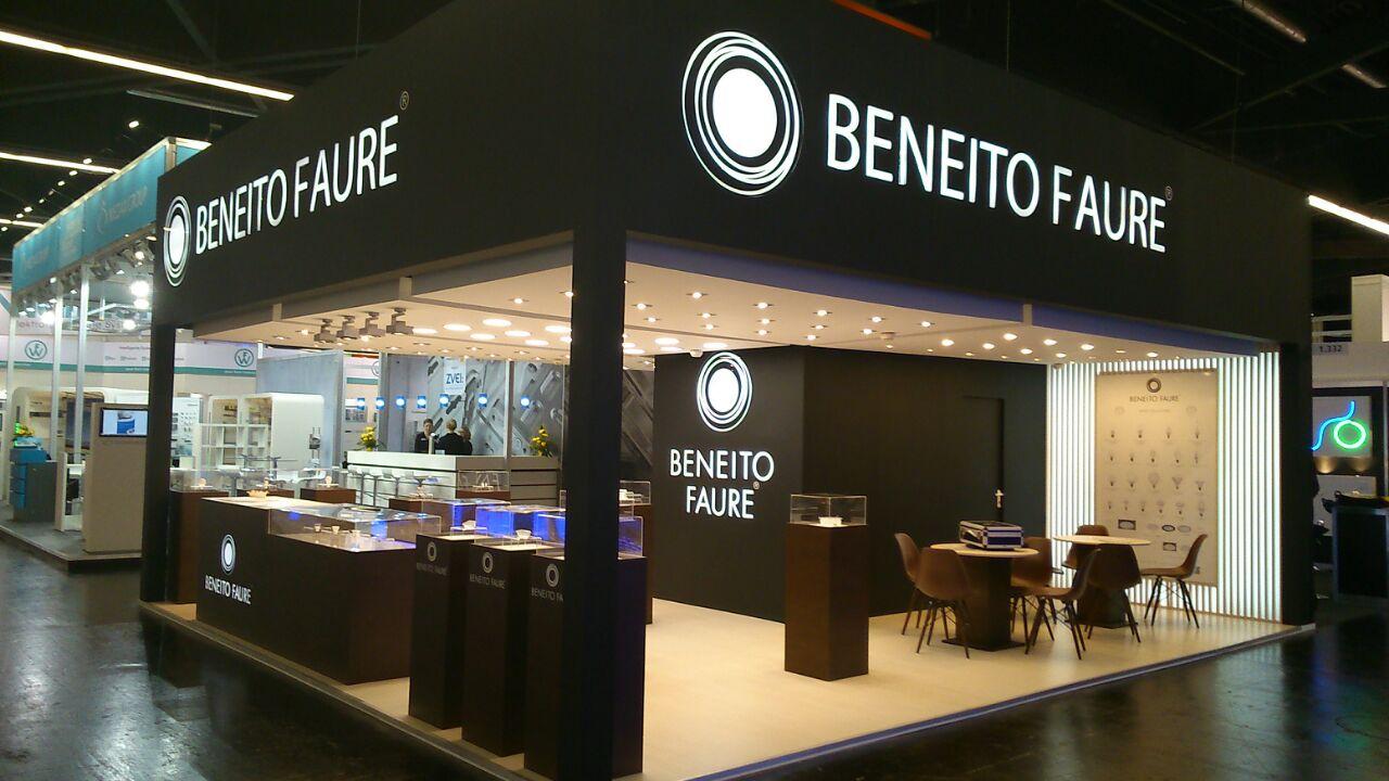 Beneito Faure LED - HQI LED,PL LED,PAR38,R7s,E40,E27,E14,G24d,B15d. LED Einbauleuchten 195mm Lochmaß.